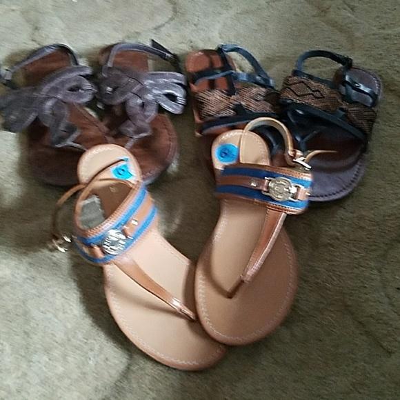 0b8c43a576e95 Bundle of sandals 3 for 9 dollars. M 5b69bcec2beb794d3ac0fad9